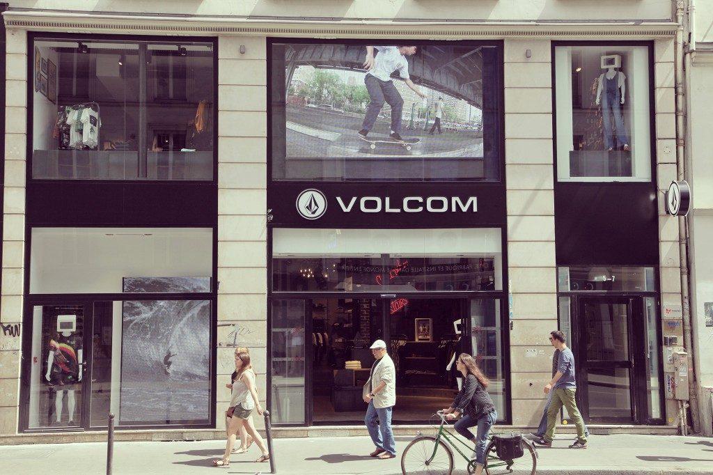 C'est dans le quartier de Bastille que Volcom ouvre sa première boutique parisienne de 230m2, sur 2 niveaux. Situé au 5 rue du Faubourg Saint Antoine dans